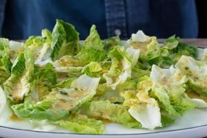 Hardal Soslu Yedi Kule Salatası
