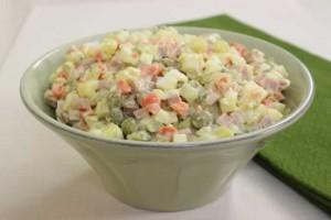 Amerikan Salatası Tarifi
